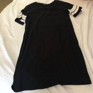 FOREVER 21 black tee shirt dress